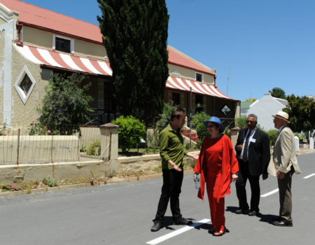 Premier Zille and husband, Prof Maree, taken on tour of Church Street at her request